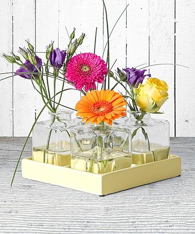 vasen sets mit schnittblumen vom blumen und geschenkeversand valentins valentins. Black Bedroom Furniture Sets. Home Design Ideas