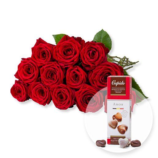 12 langstielige rote Premium-Rosen und Pralinen-Herzen